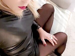 Jenyfer Trans porno Star blonde sexy shemale girl