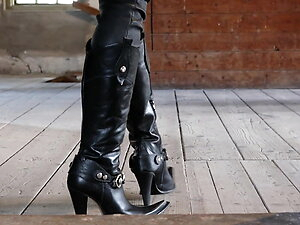 My Sexy Cowgirl Boots!