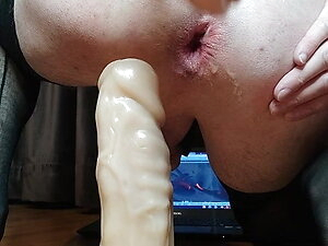 Sissy girl stratching her fucking whole with big dildo