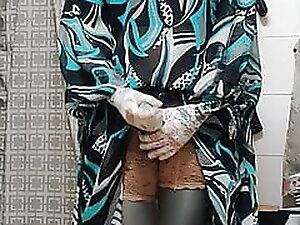 kigurumi in green dress